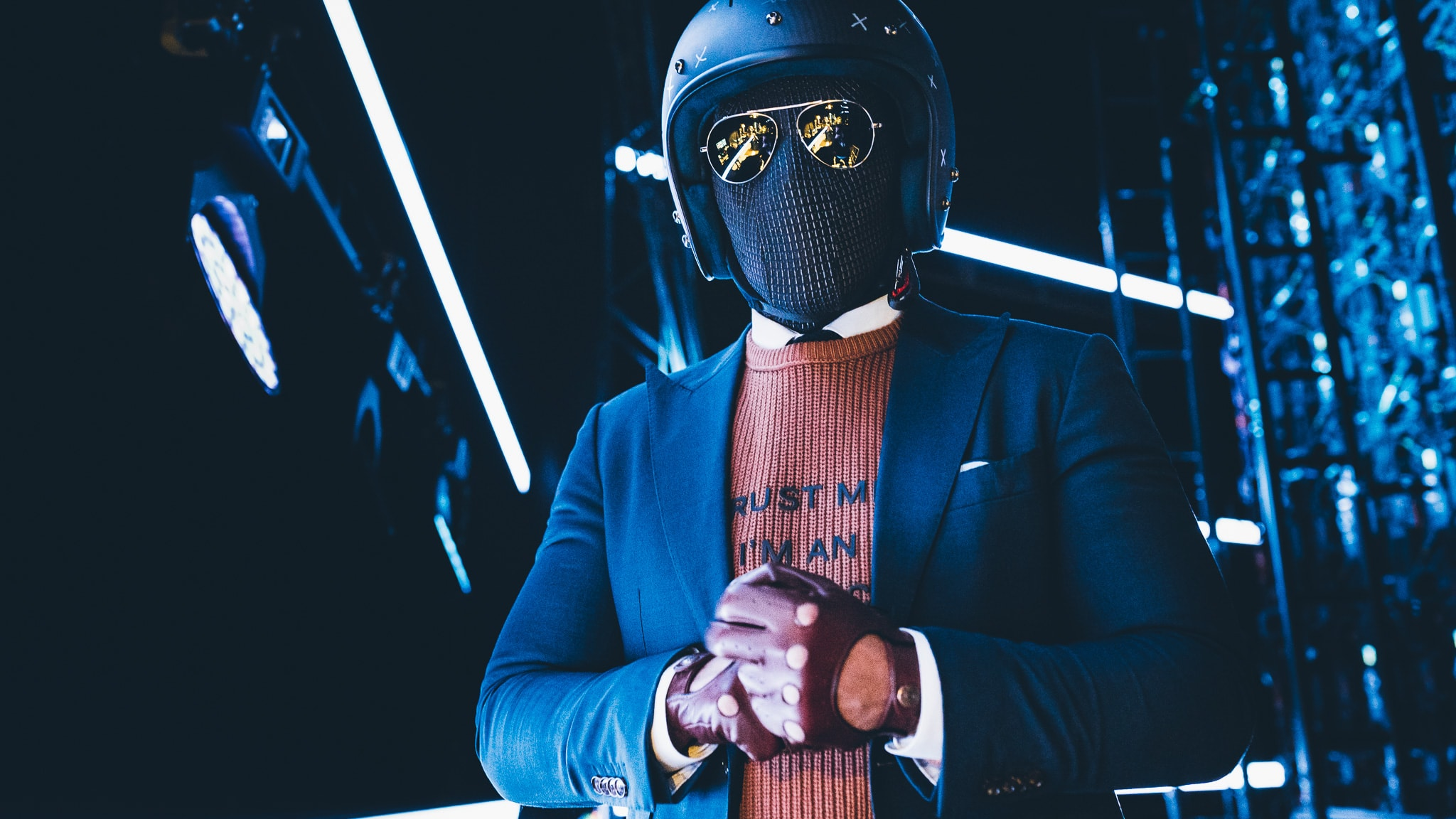 Suited Racer @ OMR19